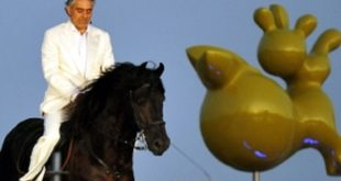 Andrea Bocelli cade da cavallo: il tweet dall'ospedale