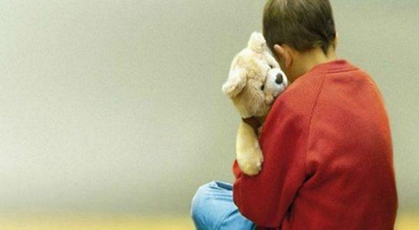 Bambino-autistico-viene-espulso-da-scuola-le-mamme-festeggiano-su-WhatsApp