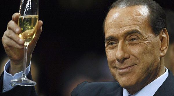 Berlusconi non lascia la politica, pronto a scendere in capo con una lista unica