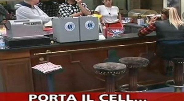GF VIP 2 Striscia La Notizia cellulare espulsione