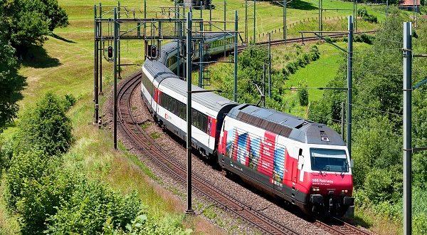 Svizzera, incidente fra treni: trenta feriti