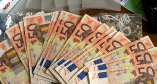Pagamento stipendio, nuova norma abolisce i contanti
