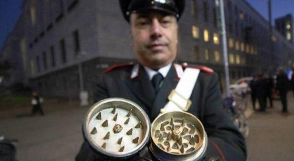 Trovata bomba al tribunale di Milano, città in tilt