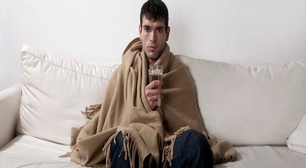 Gli uomini soffrono più delle donne durante l'influenza, perché?