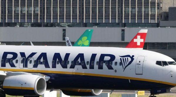 Regole bagaglio a mano Ryanair, ammesse solo borse e zainetti