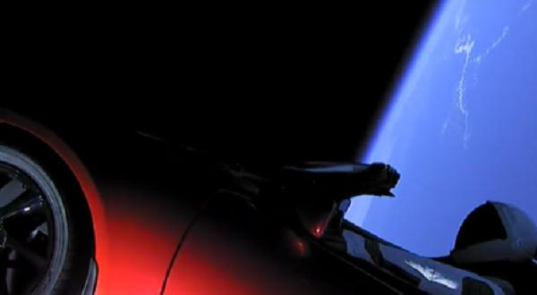 Elon Musk manda Tesla su Marte: la missione Space X